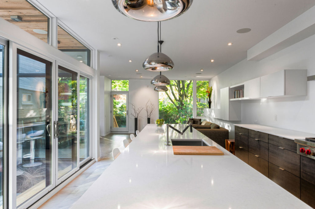 divine-2-storey-contemporary-house-in-canada-featuring-exterior-nice-modern-interior-design-with-kitchen-table-white-coutertop_house-facades-two-storey-contemporary_home-decor_home-decore-decorators-r